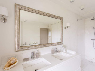 Custom Mirror Installations